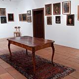 Expozícia nábytku a obrazov kaštieľ Strážky