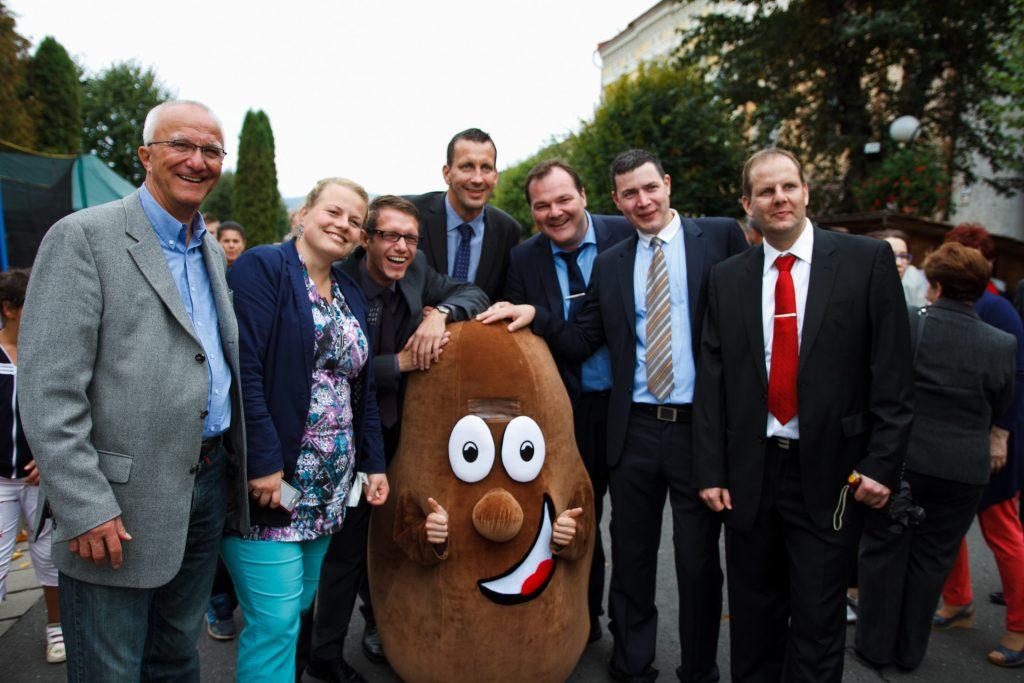 Zástupcovia z partnerského mesta Bruck na Spišskom zemiakarskom jarmoku v Spišskej Belej