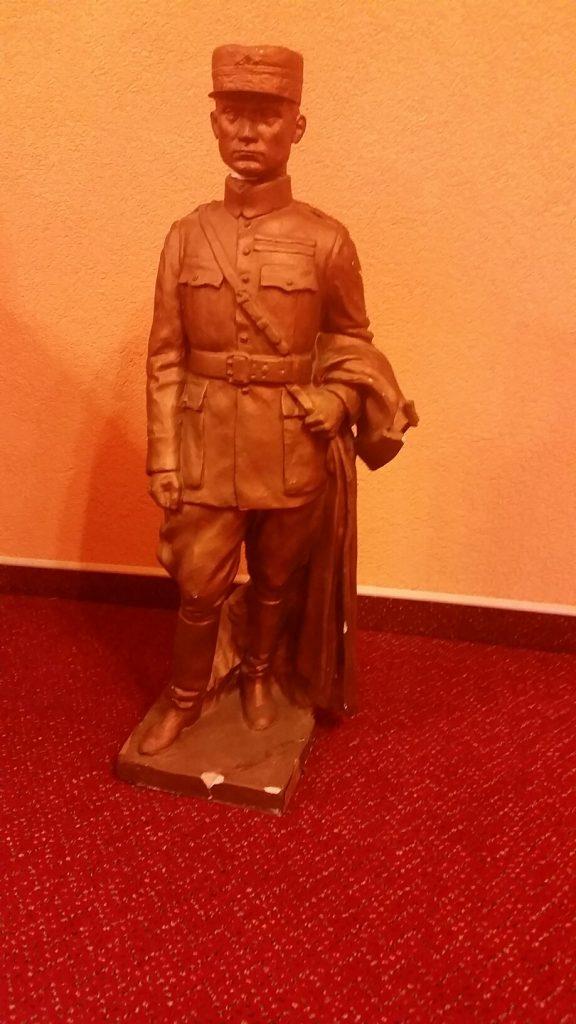 Replika pôvodnej sochy Štefánika - v kancelárii primátora mesta